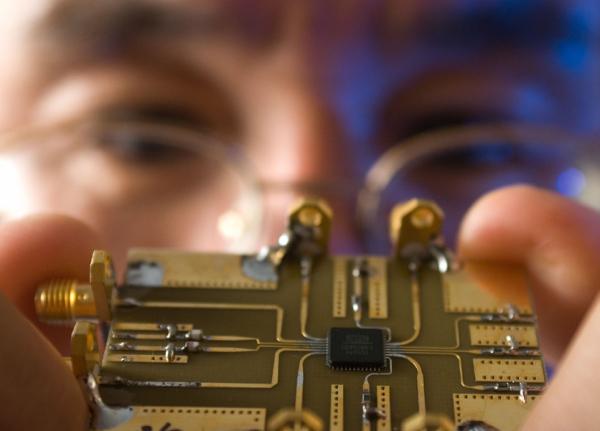 博女郎站台带动VLSI展物联网及车用电子、4G通讯成发烧话题