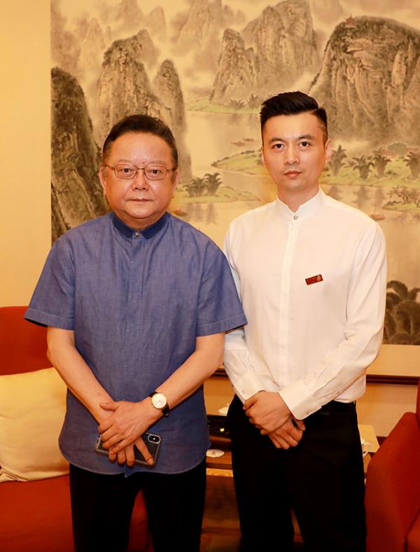 原文化部部长潘振宙 收藏家王刚 张语航出席玉玺首发仪式