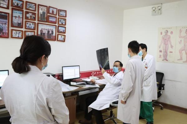 济南中医风湿病医院院长领衔