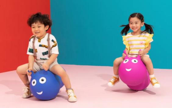 让孩子投入地玩耍,瑞士m-cro迈古弹跳溜溜车刷新玩具的价值